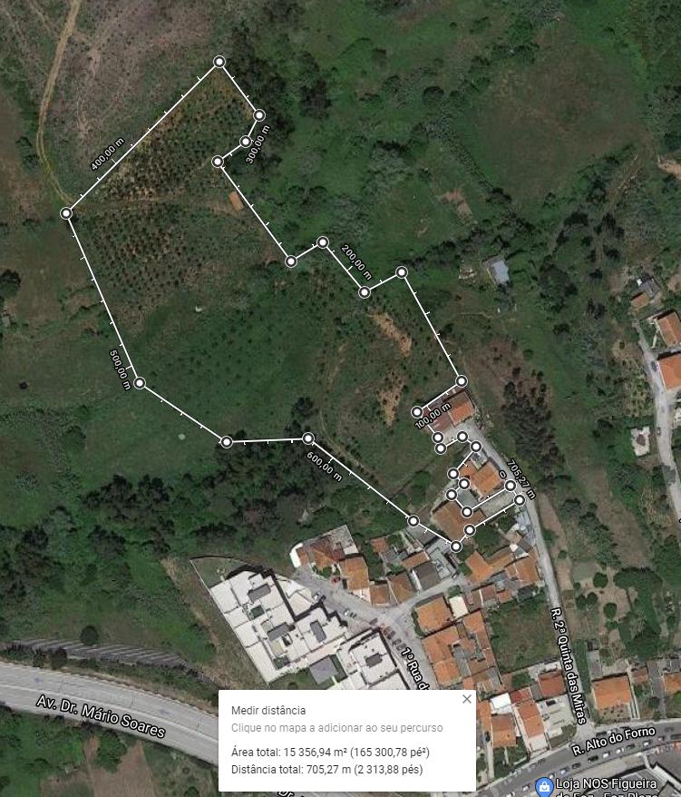 Moradia isolada com terreno com 22000m2
